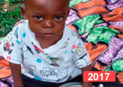 Equipamiento de hospital para niños en R. D. del Congo