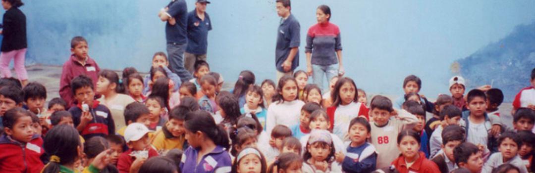 niños y niñas en comedor social Santa Anita en Lima 2017