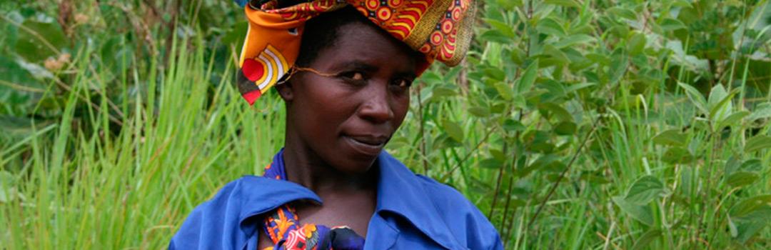 mujer en proyecto de integración laboral en Sansana