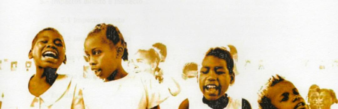 Ayuda para niños cantando en un coro góspel en Madrid