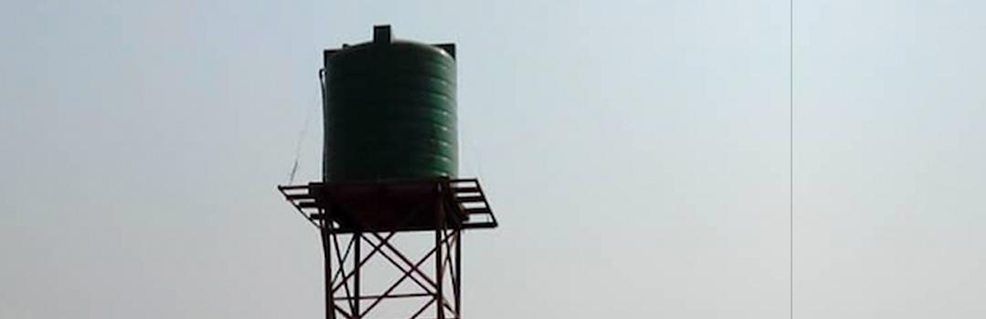 Tanque de agua en Malaui como parte de un proyecto social