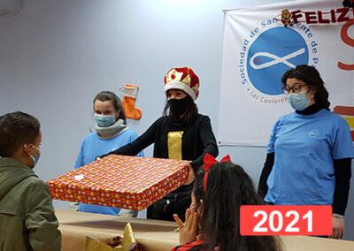 Integración social: celebración fiesta de reyes en Madrid 2021