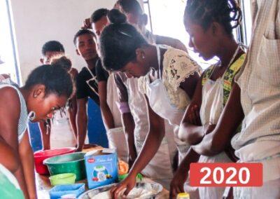 Proyectos de educación para el empleo para jóvenes en extrema pobreza